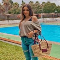 Camila burdeos 🍇   Disponible en la web: www.dancrisbags.com   . . . . . . .  #artesania #capazospersonalizados #verano #love #capazos #bolsos #moda #bag #fashion #leather #cestas #happy #design #bag #piel #bolsospiel #españa #andalucia #cadiz #ubrique #style #branding #cuir #beautiful #photooftheday #zara #madeinspain #madeinubrique #dancris #dancrisbags