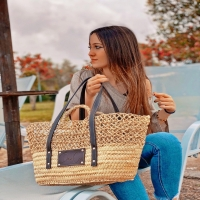 ABRIL 🤎  Ya disponible en la web: www.dancrisbags.com   . . . . . . .  #artesania #capazospersonalizados #verano #love #capazos #bolsos #moda #bag #fashion #leather #cestas #happy #design #piel #bolsospiel #españa #andalucia #cadiz #ubrique #style #branding #cuir #beautiful #photooftheday #zara #madeinspain #madeinubrique #dancris
